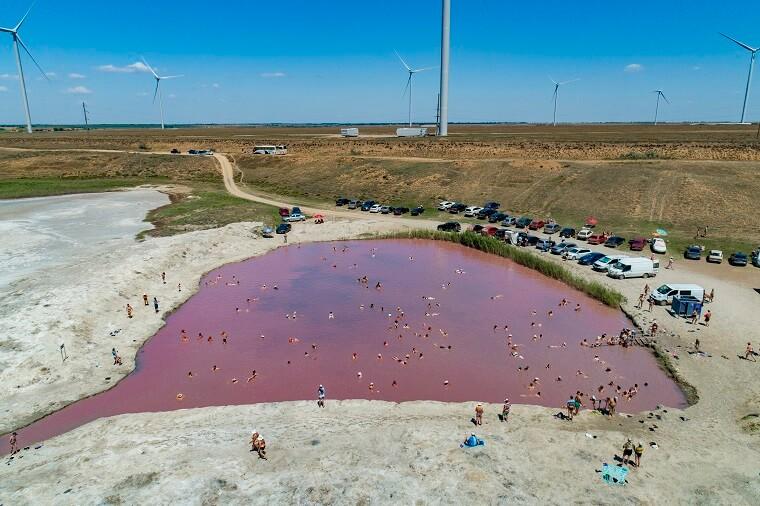 Рожеве озеро для оздоровлення