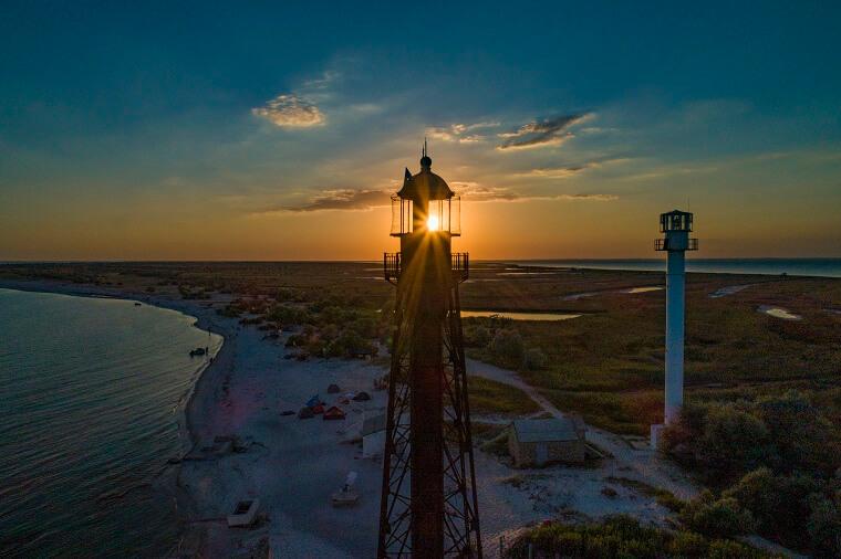 Захід сонця на острові