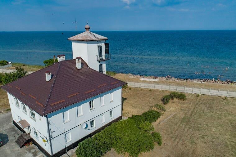 Hanichesk lighthouse