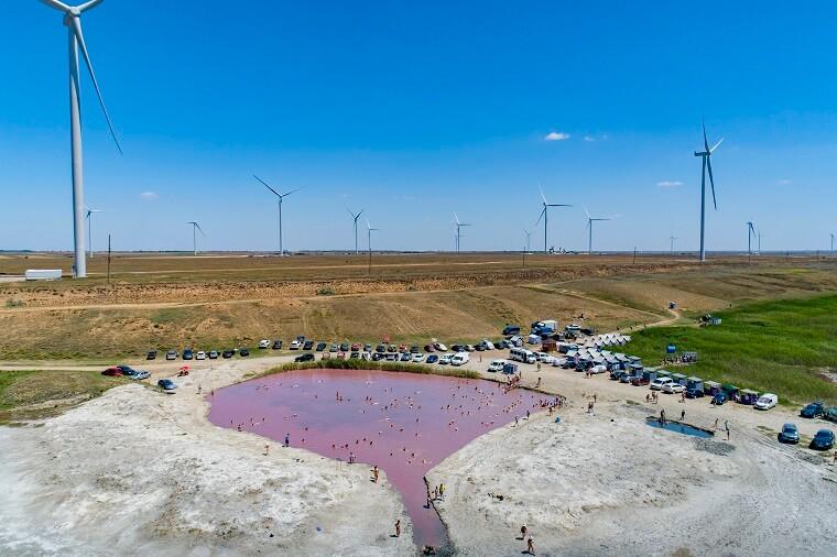 Лікувальне рожеве озеро