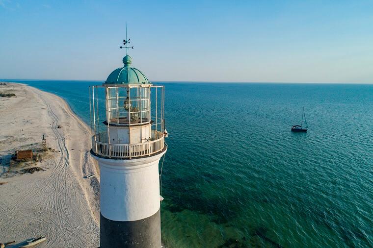 Вид на Тендровский маяк