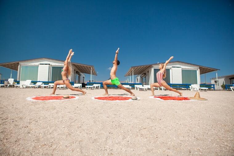 Yoga and rest on Arabatka