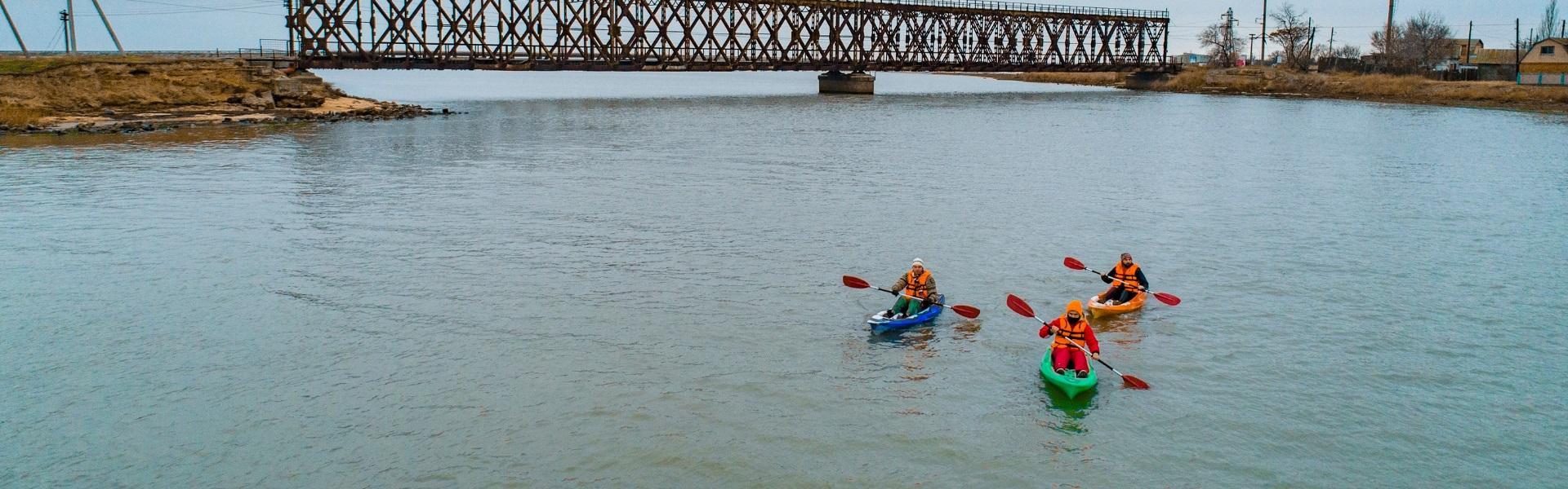Winter kayaking in Henichesk